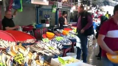 Marmara'ya akın etmeyen hamsi fiyatları yükseltti