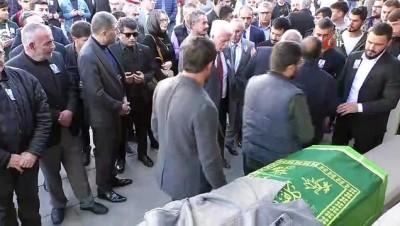 Akşener kazada ölen il başkanının cenaze törenine katıldı