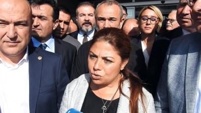 CHP'li Zeynep Altıok 'Cumhurbaşkanına hakaret' suçundan hakim karşısına çıktı - İZMİR