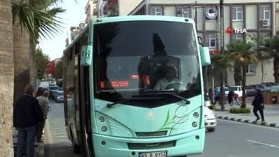 Manisa'da duyarlı şoförden 'insanlık ölmemiş' dedirten hareket
