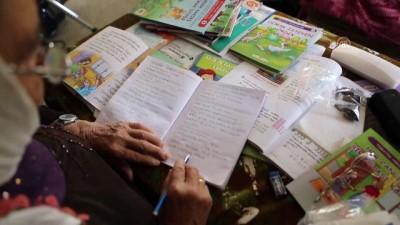 Okuma yazmayı 64 yaşında öğrenmeye başladı - MERSİN