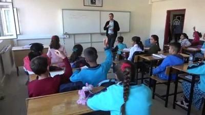 rehber ogretmen - Şanlıurfa'nın sınır ilçelerindeki okullarda telafi eğitimi (2)
