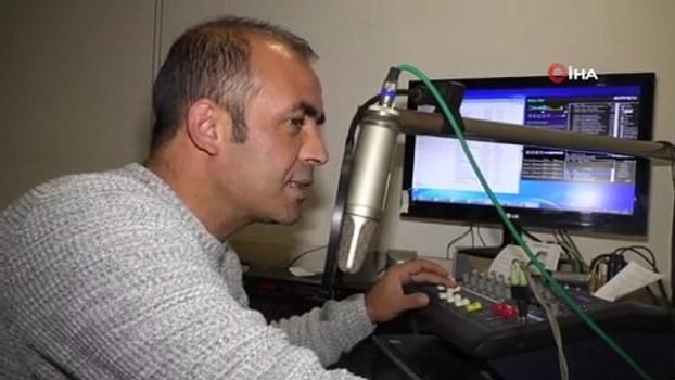 radyo programcisi -  Türkiye rekorunun sahibi radyocu, dünya rekoru için yeniden mikrofon başına geçti