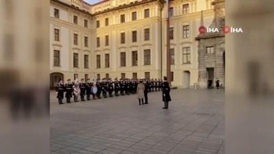 - Prag Büyükelçisi Bağış, güven mektubunu Çekya Cumhurbaşkanına sundu