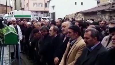temizlik gorevlisi - Bıçaklanarak öldürülen kadının cenazesi defnedildi - BAYBURT