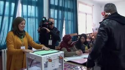 - Cezayir'de Abdulmecid bin Tebbun seçimi önde götürüyor