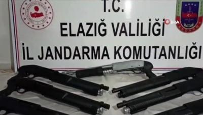 Takibe alınan şahsın aracından 15 adet pompalı tüfek çıktı