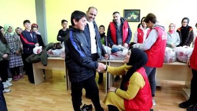 Vefa'dan 900 öğrenciyi ısıtan yardım - BİNGÖL