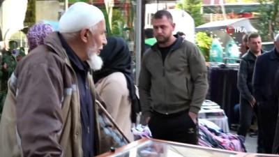 issizlik -  Yarım asırdır Şam tatlısı satarak geçimini sağlıyor