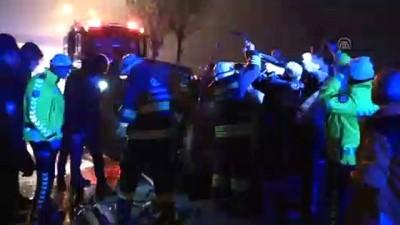 aydinlatma diregi - Aydınlatma direğine çarpan otomobilin sürücüsü öldü -  ESKİŞEHİR