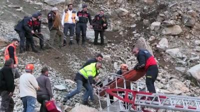 Uçuruma yuvarlanan çoban öldü - ARTVİN