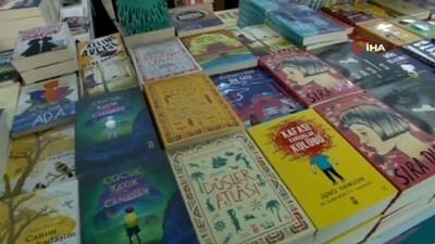 Kitap kurtları Bursa'da