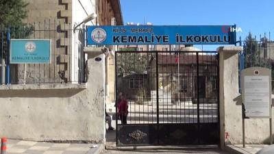 Türkiye'nin eğitime devam eden en eski okulu restore edilecek