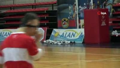 Down Sendromlular Futsal Milli Takımı Alanya'da hazırlıklarını sürdürüyor