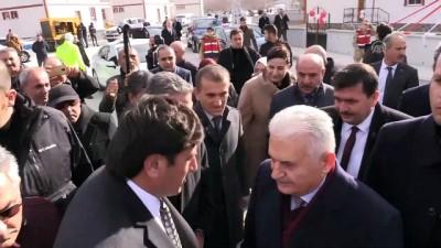 AK Parti İzmir Milletvekili Binali Yıldırım: 'Yolları böleriz ama Türkiye'yi böldürtmeyiz' (2) - ERZİNCAN