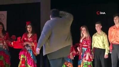 halk oyunlari -  Acıyı dansla harmanlayarak, roman soykırımını anlatıyorlar