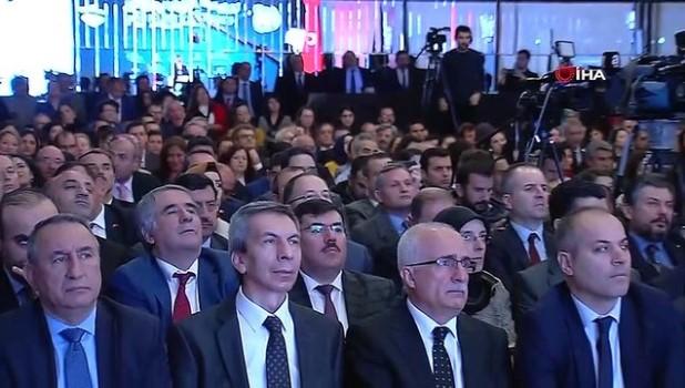 """dunya sehirleri -  Çevre ve Şehircilik Bakanı Kurum:""""Kanal İstanbul'un iki yakasında kuracağımız şehri; akıllı mahalle, akıllı şehir konseptine göre dizayn edeceğiz"""""""