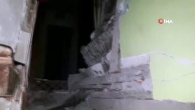 Dağdan kopan kayalar evin çatısına düştü, facianın eşiğinden dönüldü