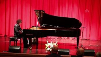 Genç piyanist Berkay Özkan, Tekirdağlıları büyüledi - TEKİRDAĞ