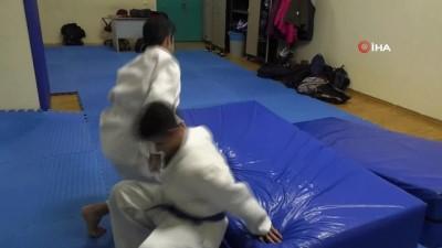İşitme engelli judocular engel tanımıyor
