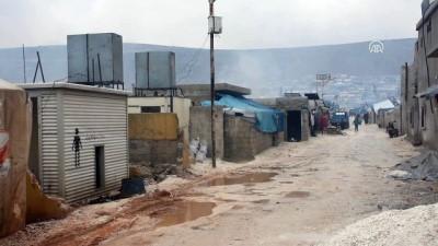 İdlib'de hava saldırıları durmasına rağmen sınırdaki sivillerin çilesi sürüyor (1) - İDLİB