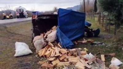 Beton mikseriyle çarpışan tarım aracının sürücüsü yaralandı, eşi öldü - SAMSUN