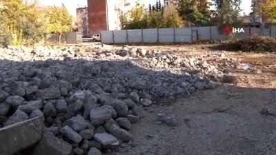Demir toplarken kalp krizi geçiren eskici hayatını kaybetti