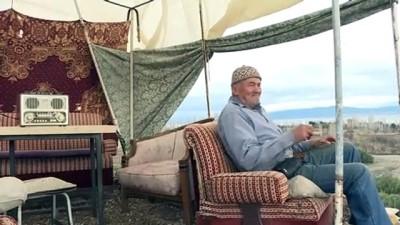 Mehmet dedenin Burdur Gölü manzaralı barakasında keyif dolu yaşamı - BURDUR