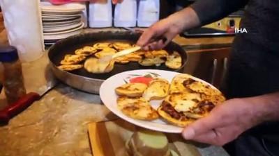 Erzincan'da soğuk kış gecelerinin vazgeçilmez lezzeti kaşarlı patates