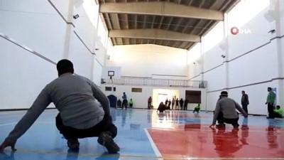 - Azez'de görme engelliler için futbol turnuvası