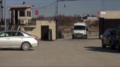 - Kandil'de yakalanan kadın teröristler Van'a getirildi