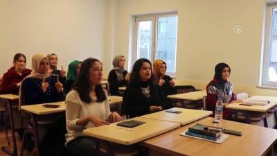Eğitim gördüğü kursta 3 yıl sonra işaret dili öğretiyor - ORDU