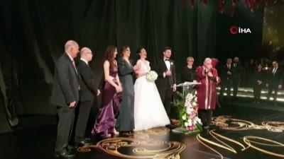 ispanya - Milli futbolcu Okay Yokuşlu, Melisa Kerman ile evlendi