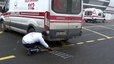ambulans soforu -  Hayat kurtarmak için zamanla yarışan Ambulans şoförleri bu sefer birbirleriyle kıyasıya yarıştı