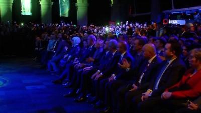 Cumhurbaşkanı Erdoğan: 'Tabi bize herkes akıl veriyor. Suriye'de sizin ne işiniz var, diyor. Bizim onlara verdiğimiz bir cevabımız var. Sizin Suriye'de ne işiniz var?'