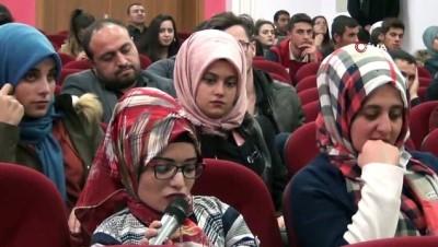 YYÜ Rektörü Şevli, Erciş'te öğrencilerle buluştu