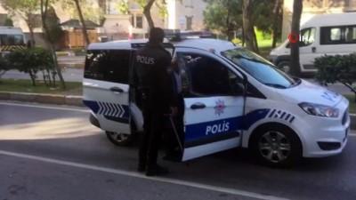 Polis ekiplerinin davranışı taktir topladı