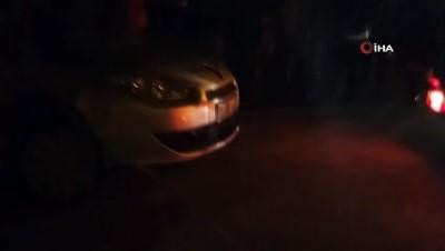 Samandağ'da kontrolden çıkan otomobil bahçeye uçtu