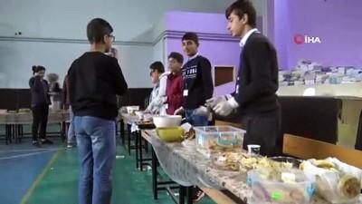 Siverekli öğrencilerden örnek davranış