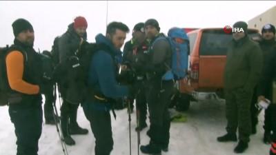 kayip dagci -  Kayıp dağcıların montunun bulunduğu yere özel termal drone sevk edildi