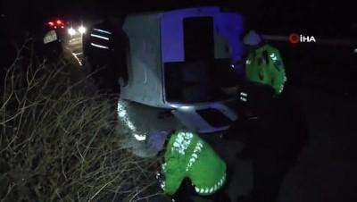 Otomobile çarpan işçi servisi şarampole devrildi: 16 yaralı