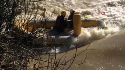 Antalya'da iki raftingçi ölümle burun buruna geldi