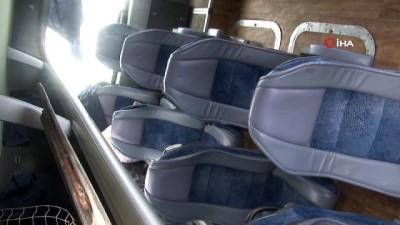 yolcu otobusu - Yolcu otobüsü devrildi: 27 yaralı