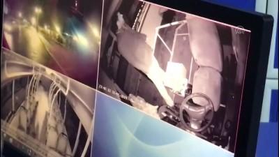 Yolcunun midibüs şoförüne bıçaklı saldırısı güvenlik kamerasında - AYDIN