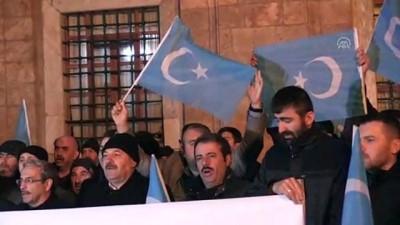 Çin'in Doğu Türkistan'daki zulmü protesto edildi - BURSA