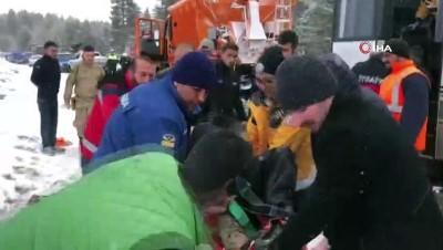 Sarıkamış'ta kaza sonrası can pazarı: 20 yaralı