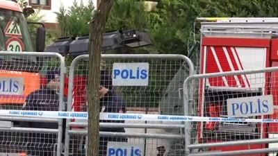 askeri helikopter - Askeri helikopterin düştüğü sitede camlara bayraklar asıldı - İSTANBUL
