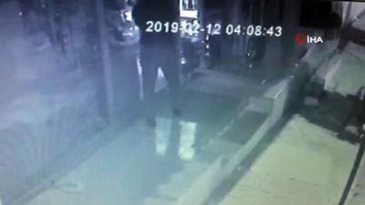 Büfedeki hırsızlık anları güvenlik kamerasına böyle yansıdı