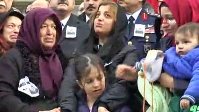 helikopter -  Minik Kıvanç'tan şehit babasına en acı veda...Şehidin tabutuna dokundu, tabutuna böyle el salladı