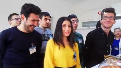 - Özel öğrencilere 'Servis Elemanı Yardımcılığı Kursu' açıldı